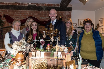 North Swindon MP Opens Stanton Country Park Christmas Shop